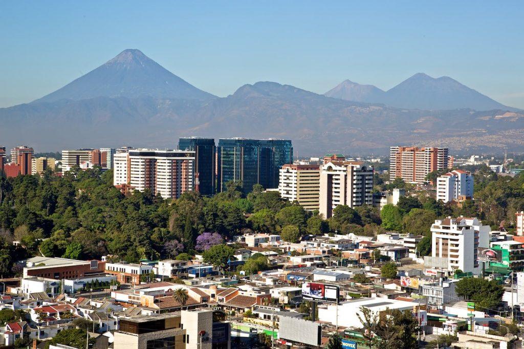 Réouverture de l'aéroport au Guatemala et mesures d'entrée